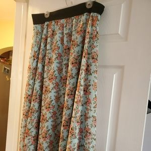 XL mid length Lularoe Skirt